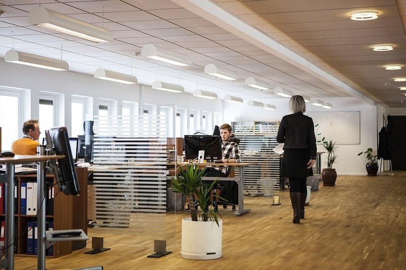 Mennesker på kontoret